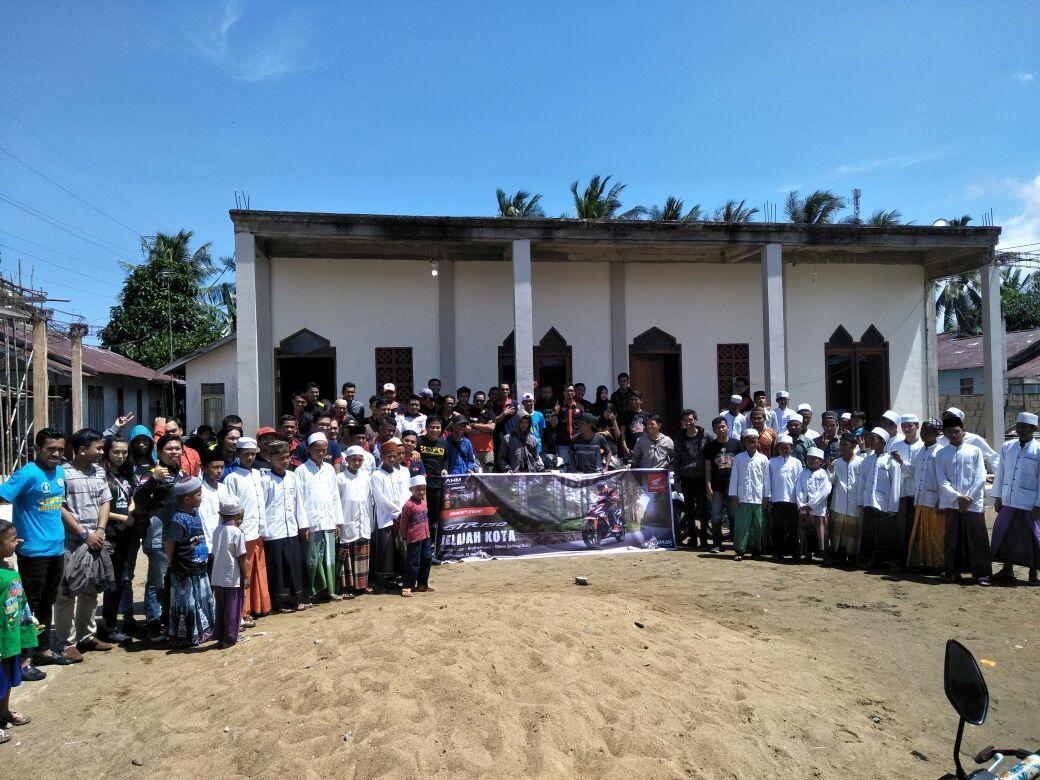 Honda West Borneo Community Berbagi Buku