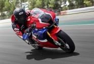 Wow... Honda CBR1000RR-R SP Fireblade Raih Predikat Desain Motor Terbaik