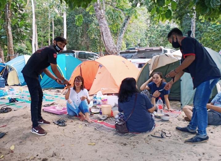 Tourgab Dan Bagi Masker Gratis Paguyuban Honda CBR Indonesia (PHCI) Di Pantai Kondang Merak Malang