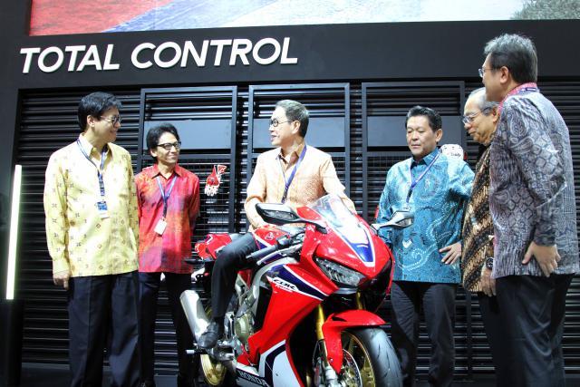 AHM Mulai Pasarkan Honda CBR1000RR Fireblade di Indonesia