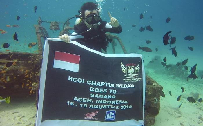 Honda CBR250RR Owners Indonesia Kibarkan Bendera di Laut Sabang