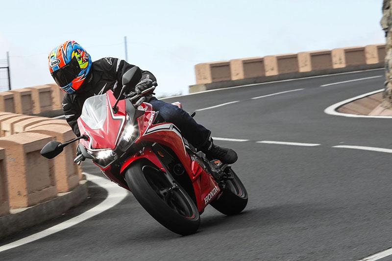 Agresifnya Honda CBR500R Dalam TVC