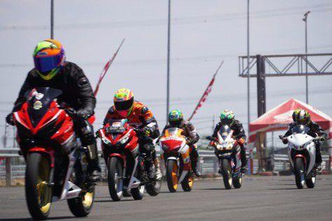 DAM dan NTT Cornering Kopdar, Gelar Edukasi Balap Pakai Honda CBR