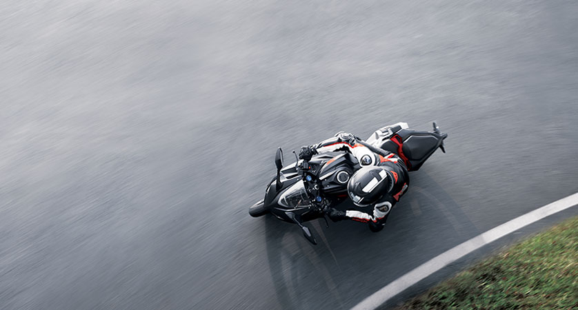 Foto-foto Honda CBR 250RR di Lintasan Balap