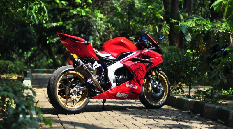 Modifikasi Honda CBR Pengagum Spider Man