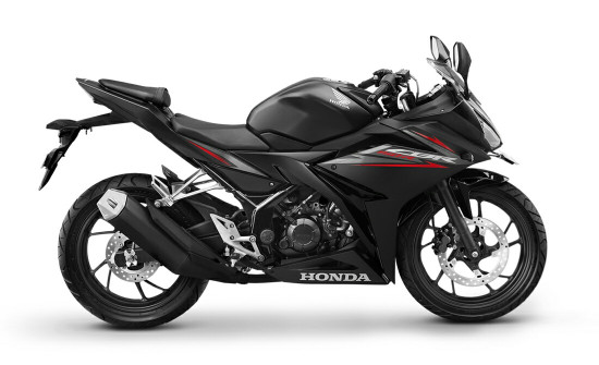 DNA Balap Bikin Honda CBR 150R Terbaik di Kelasnya