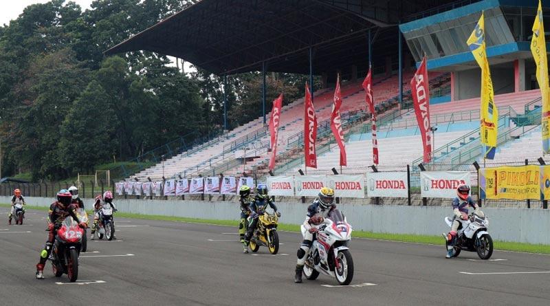 Obati Rasa Kangen Balapan, 54 Pebalap CBR Ikutan Jakarta Race Day