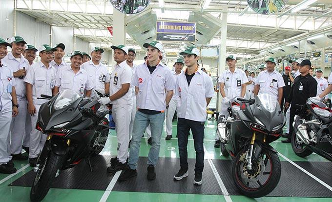 Marc Marquez dan Dani Pedrosa Sambangi Pabrik All New Honda CBR250RR