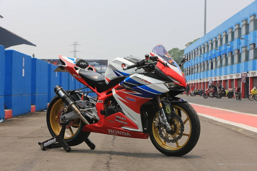 Modifikasi Honda CBR250RR, Adopsi Warna Legendaris