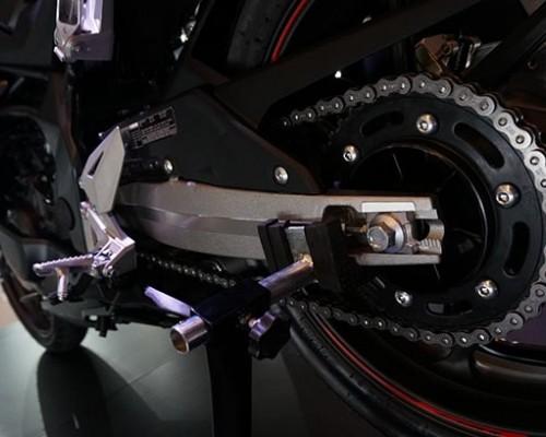 Setel Rantai Honda CBR250RR Bisa Dilakukan Sendiri Dirumah