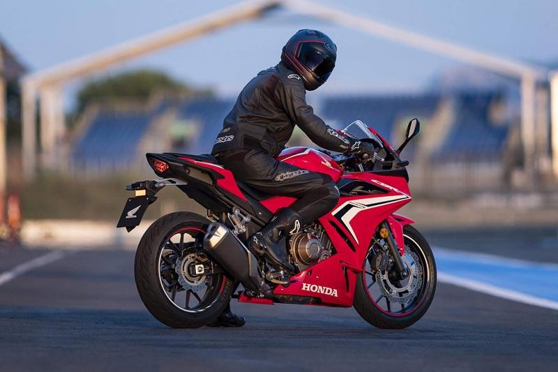 TVC Honda CBR500R, Sangat Menonjolkan Sisi Dapur Pacu