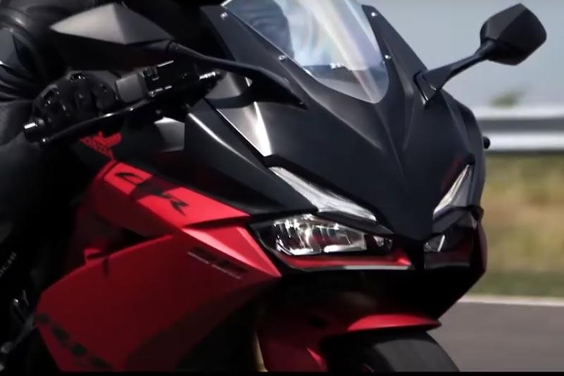 Sensasi Berkendara Honda CBR250RR SP Quick Shifter
