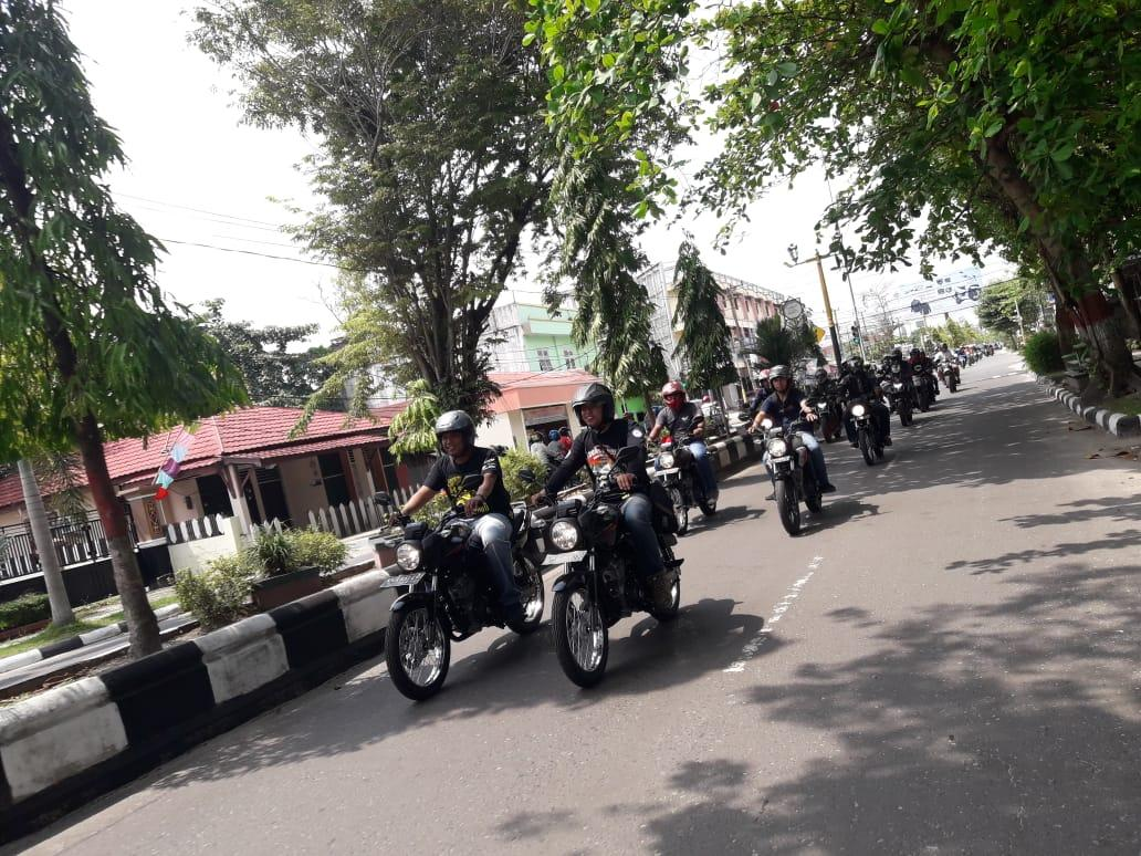 Bike Packer Touring Bersama Komunitas Motor Honda Sampit