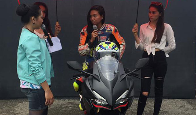 CBR250RR Fun Race di Sirkuit Kalan, Dimentori Pebalap Wanita