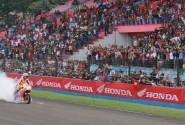 Marc Marquez dan Dani Pedrosa Pacu Honda RCV dan Honda CBR150R di Sirkuit