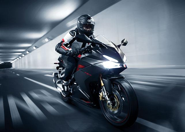 Honda CBR250RR Motor Berperforma Tinggi Dengan Tampilan Sporty