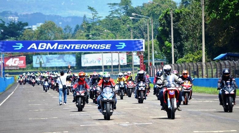 ICE Day 2018 Sukses Jadi Ajang Salurkan Hobi Balap Bikers Honda CBR