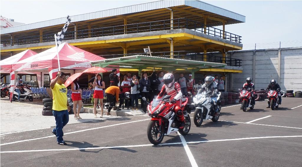 1.900 Bikers Honda CBR Ikuti All New Honda CBR150R Track Day